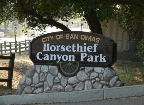 Horsethief Canyon Park sign